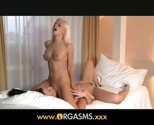 Orgasms - Lola cums again and again