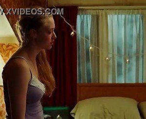 Megan Fox & Amanda Seyfried Lesben Kiss-Jennifers Body