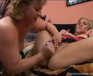 Blonde Curvy Lesbie Chicks Cannot Control Orgasms