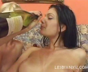 Sextoy Drilling Lesbos
