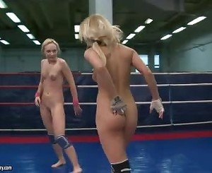 Nataly Von And Nikky Thorne Hawt Cat Fight In Ring